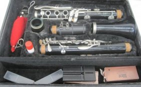 CLARINET - VITO With CASE