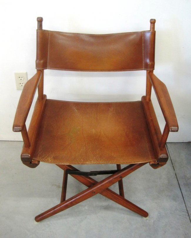 VINTAGE LEATHER DIRECTORu0026#39;S CHAIR : Lot 23A