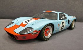 1/12 Scale GMP Ford GT-40 Gulf #6 Jackie Ickx/Jac