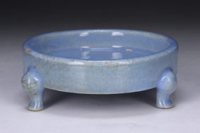 A Chinese Antique Tri-pod Porcelain Washer