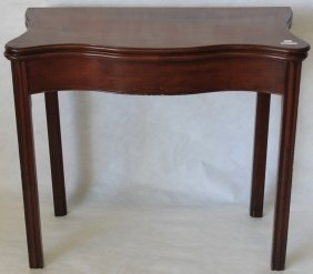 American Serpentine Front Molded Leg Card Table,