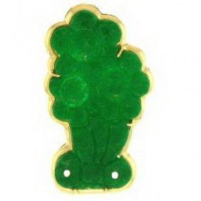 NATURAL GREEN JADE PIN