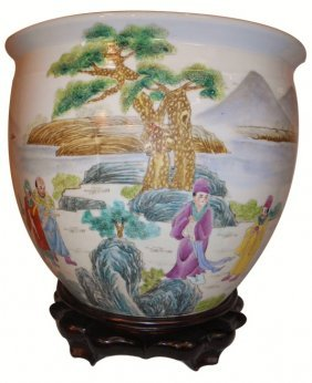 Chinese Porcelain Jardiniere Vase With Hand Painted