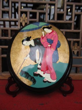 Oval Lacquer Wall Panel Hand Painted Japanese Geisha