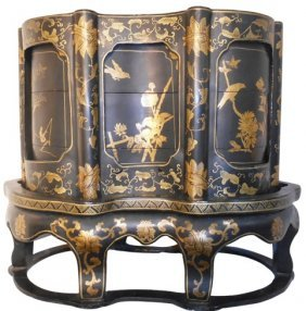 Chinese Black Lacquer Coromandel Stacking Wedding Box
