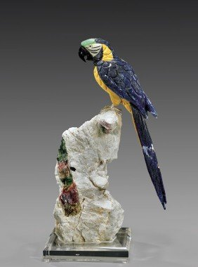 LARGE AND FINE SODALITE MACAW