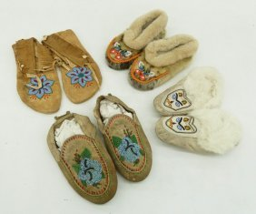 4 Pairs Of Native Beaded Moccasins. Includes A Pair Of