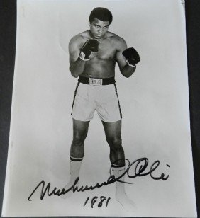 Signed Muhammad Ali Boxing Photo