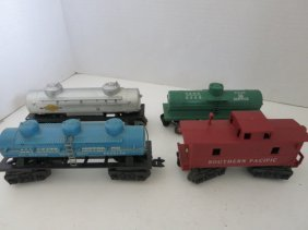 TRAIN CARS LIONEL 4 PC
