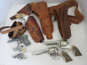 VINTAGE TOY GUNS /GUN HOLSTERS LOT
