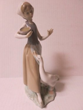 LLADRO RETIRED, BARNYARD GIRL WITH DUCK, E 14 F