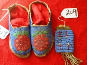 1890's Beaded Moccasins And Matching Beaded Bag