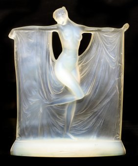 "RENE LALIQUE OPALESCENT GLASS ""SUZANNE"" (CIRCA 1925)"