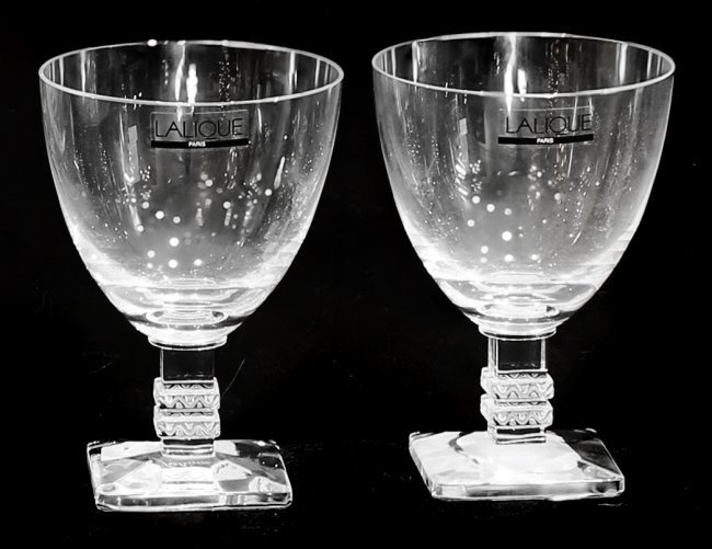 lalique france 39 argos 39 two crystal frosted wine glasses. Black Bedroom Furniture Sets. Home Design Ideas