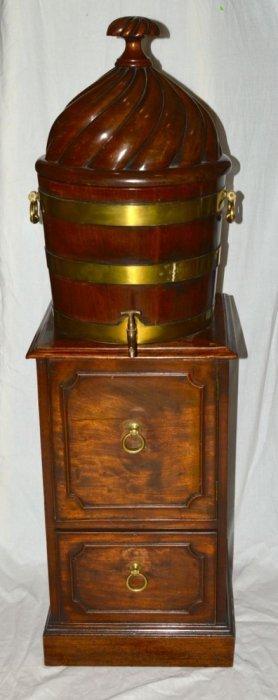 George Iii Mahogany Pedestal Cellarette, C. 1775