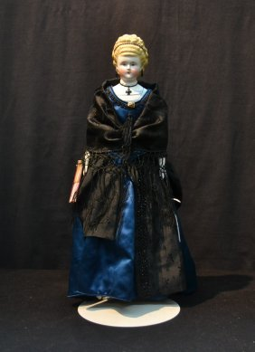 Parian Shoulder Head Doll With Molded Blonde Hair