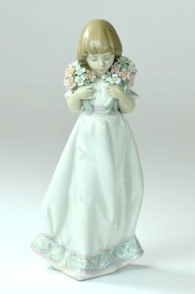 Genuine Lladro Figure Of A Girl Circa 1987