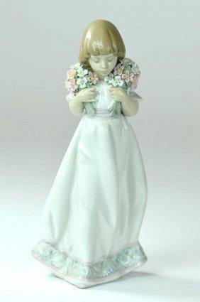 Genuine Lladro Figure Of A Girl Circa 1987
