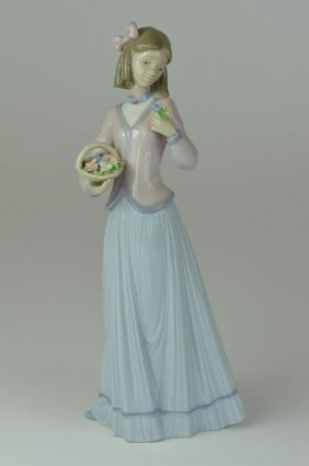Genuine Lladro Figure Of A Girl