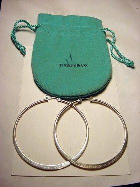 TIFFANY ELSA PERETTI STERLING HOOP EARRINGS IN POUC