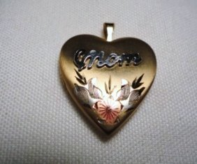 VINTAGE GOLD FILLED MOTHER LOCKET