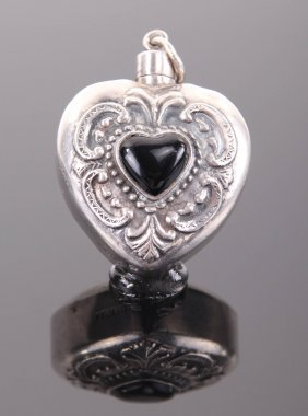 Antique Onyx Heart Shaped 925 Sterling Silver