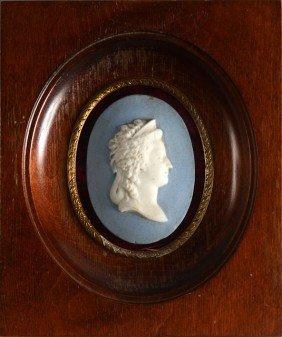 Marie-Antoinette, Reine De France. M�daillon Ovale
