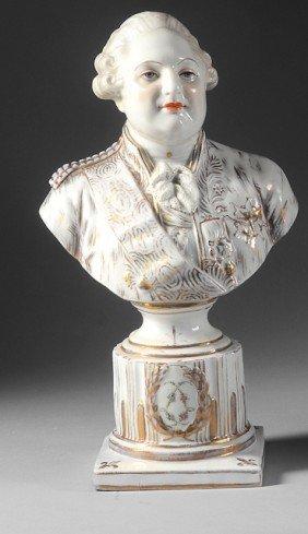 Louis XVI, Roi De France. Buste En Porcelaine Blanc