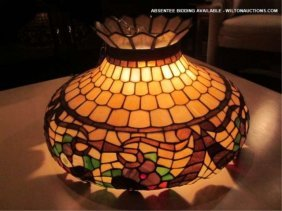 STAINED GLASS STYLE CEILING LIGHT, FLORAL DESIGN, A