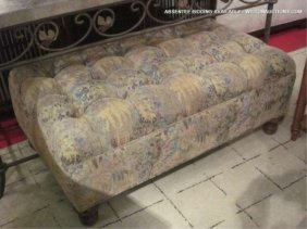 TUFTED OTTOMAN WITH WILDFLOWER PATTERNED UPHOLSTERY