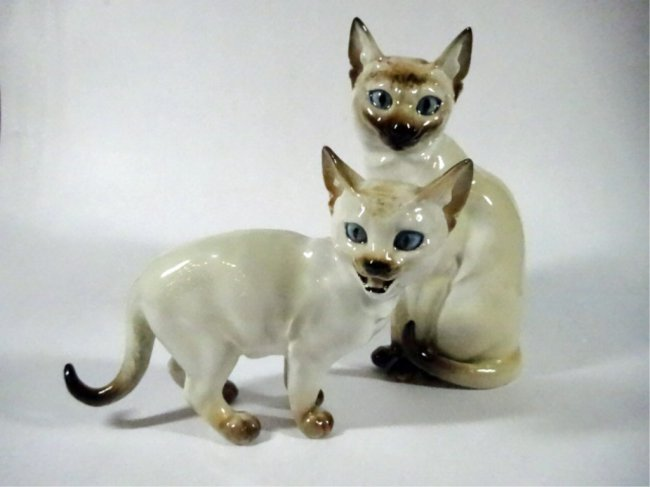 2 vintage hutschenreuther siamese cat figurines made lot 21. Black Bedroom Furniture Sets. Home Design Ideas