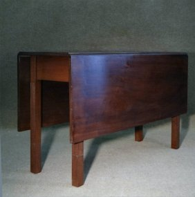 Newport Mahogany Chippendale Dropleaf Table