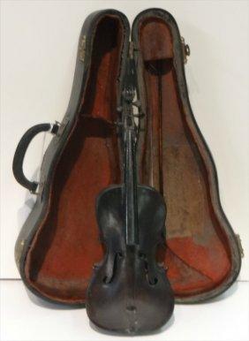 """1907 Label 9 1/4"""" Miniature Violin W/ Bow & Case"""