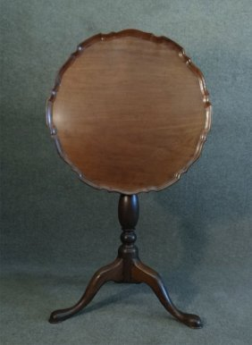 American Early 19thc. Tilt Top Candlestand