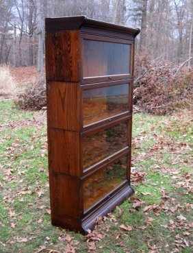 Oak 4 Stack Bookcase. Condition: Good.