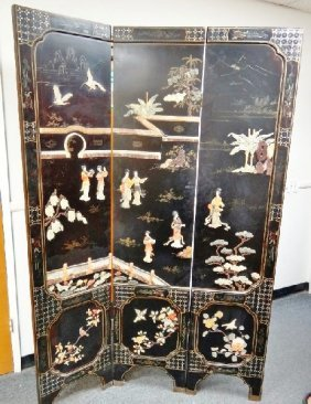 151 Antique 3 Panel Oriental Room Divider Lot 151