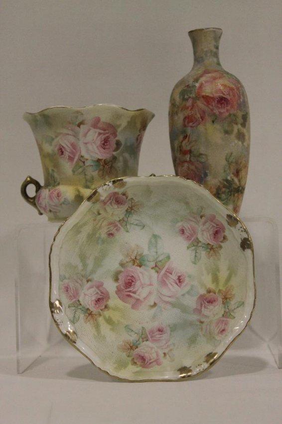 royal bayreuth pink rose tapestry lot 67. Black Bedroom Furniture Sets. Home Design Ideas