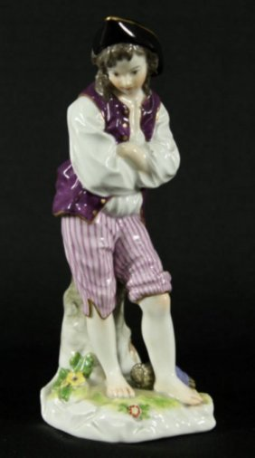 "7.5"" Meissen Figure Of Man With Arms Shrugged"