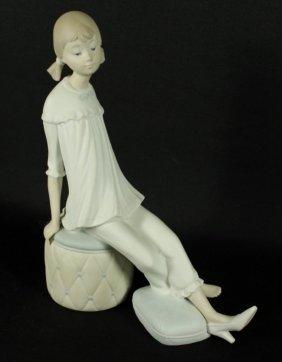 Lladro Figure Of A Girl Sitting