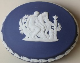 Wedgwood Jasperware Large Dresser / Vanity Box