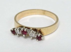 Diamond & Ruby Ring : A 9ct Gold Ring Set With Two
