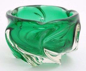 A 20thc Green Glass Studio Art Glass Bowl 3 1/4'' X