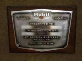 Mobil Plaque