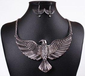Stunning Silver Eagle Necklace Set