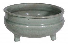 A Large Chinese Celadon Tripod Bowl, Ming Dynasty