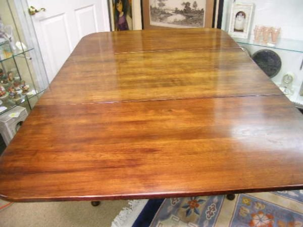 41 Ethan Allen Maple Drop Leaf Dining Table Lot 41