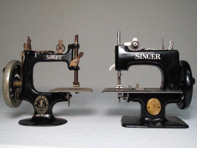 singer mini sewing machine antique