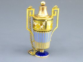 A SWISS ENAMEL ON GOLD 18K VINAIGRETTE