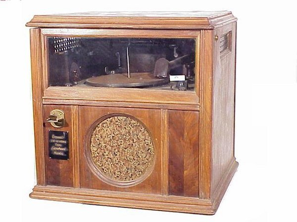 626: Capehart Model 4 Countertop Jukebox in g : Lot 626