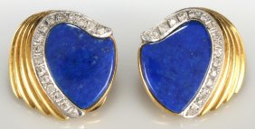 PAIR OF 18K GOLD EARRINGS WITH LAPIS AND DIAMONDS